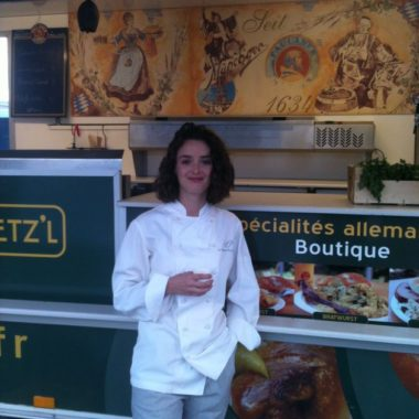 Charlotte Lebon travaille avec Hans'l & Bretz'l au tournage de film